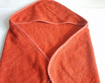 Hooded red towel for baby 0-6 months