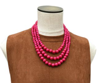 hot pink necklace / hot pink beaded necklace / multi strand pink necklace / dark pink statement necklace / chunky pink necklace / magenta