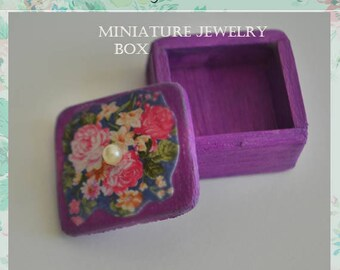 Miniature wooden jewelry box