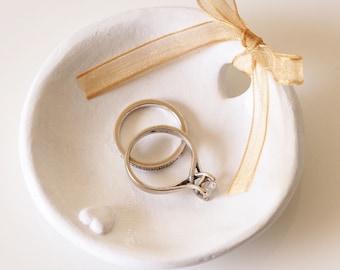 Wedding ring holder - Ring bearer pillow alternative - Clay ring dish - White wedding decor - Anniversary present - Clay wedding ring dish