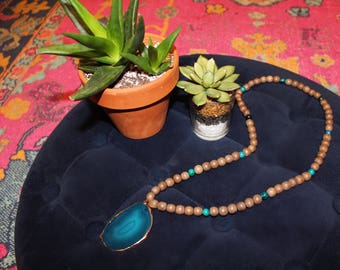 Turquoise Agate Bead Necklace