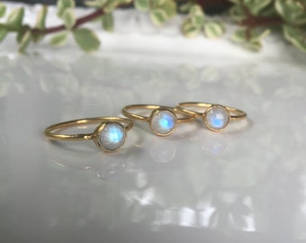 Moonstone Ring, Rainbow Moonstone, Gold Ring, Stacking Rings, Engagement Ring, Moonstone Jewelry, Gemstone Ring, Raw Stone Ring, Dainty Ring