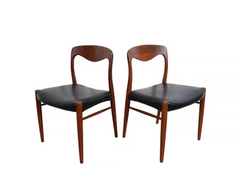 Moller Style Dining Chairs  set of 8 Teak Dining Chairs Black Leather Seats Denmark Danish Modern