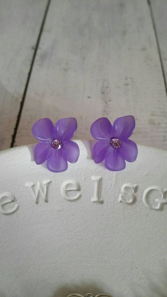 Mid century Floral earrings studs Ultra Violet Purple flower studs Sterling silver vintage Bridal jewelry bridesmaid gift nature ispired