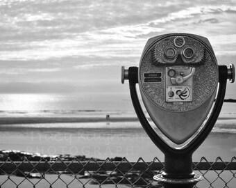 B&W-Sea binoculars Viewfinder in Wells Beach Maine - Horizontal printed photograph