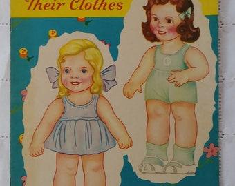 1944 Puppen ungeschnitten Papier, drei kleine Schwestern und ihre Kleidung