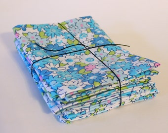 Daisy Explosion Cloth Napkins. Recycled Fabric.  Set of 6.