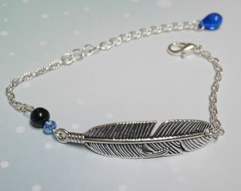 Bracelet connector feather and beads blue