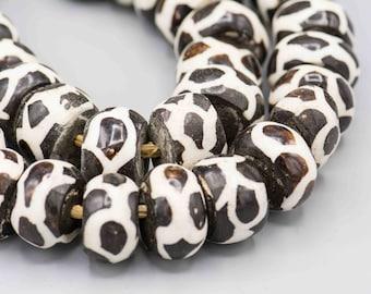 African Batik Giraffe Design Bone Beads 40 Beads on a Strand SKU-AB-12