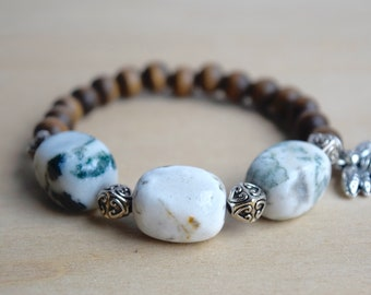 Agate Yoga Bracelet / calming bracelet, save the bees, yoga agate bracelet, insect jewelry women, heart chakra yoga, self care, group 3