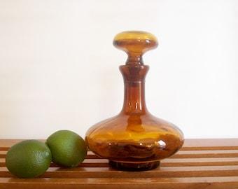 Vintage Decanter, Amber Glass, Retro Barware, Liquor Decanter, Bottle with Stopper, Vintage Bar Cart