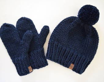 Women's Hat and Mittens // Hat and Mitten Set // Knit Mittens // Knitted Set // Matching Mittens // Navy