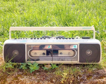 Boombox Ghetto Blaster Grundig 70 s - 80s (K7 does not work)