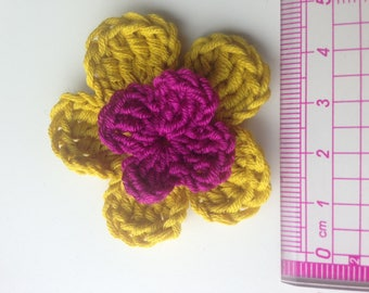 Set of 4 double crochet yellow mustard flowers and fuchsia heart