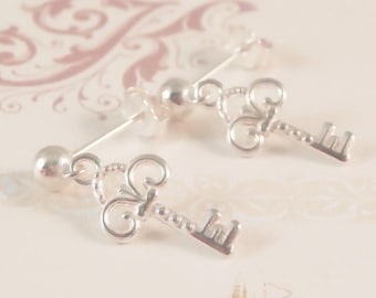 sterling silver key earrings, sterling silver key stud earrings, key earrings, antique style key earrings, gift for mum, gift for daughter