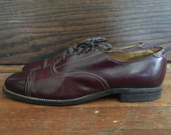 Vintage 1950s Mens Dark Brown Burgundy Leather Cap Toe Lace Up OXFORDS  Dress Shoes Size 8