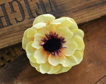 "Yellow Floral Clip, Small Flower Hair Clip for Women, Pale Yellow Hair Accessory, 1950s Vintage - ""Sunbeams & Cream"""