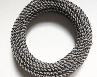 Antique 1900 beaded wire cable. black and white.  30 mètres (98 ft)