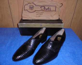 Vintage Foti Genuine Lizard Skin Shoes Size 10D (very fine condition)