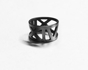memoria - roman numeral anniversary rings // oxidized ring // promise ring // couple jewelry // couples rings // couples jewelry