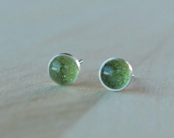 Titanium Stud Earrings Peridot Gemstone / 6mm Cabochon Bezel Set / Hypoallergenic Earrings Studs