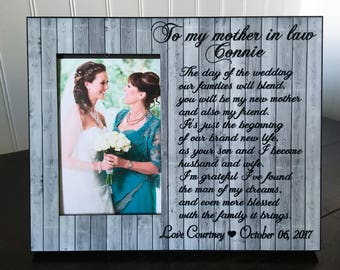 Mother in law personalized picture frame // parents of the groom gift / The day of the wedding