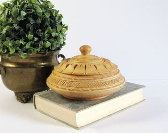 Vintage Round Carved Wood Box with Lid - Covered Wood Bowl - European Folk Art - Wood Jewelry Box - Natural Wood Decor - Office Desk Decor
