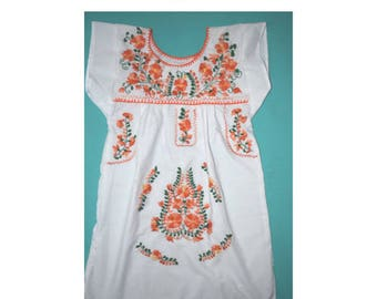 Mexican girl dress, huipil girl, oaxaca dress, mexico dress, 4 year old dress, girl mexican embroidered dress, mexican outfit, cinco de mayo