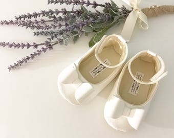 Toddler Girl Shoes Baby Girl Shoes Soft Soled Shoes Wedding Shoes Flower Girl Shoes Off White Ivory Iridescent Glitter shoes Eloise
