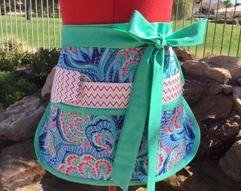 Sassy Half Utility Vendor Apron with 6 pockets, great for Gardening, Farmers Market, Teachers, Womens Misses and Plus Sizes, Amy Butler Hapi