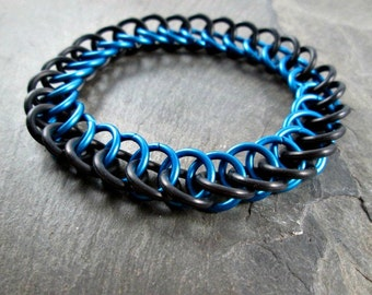 Chainmaille Bracelet - Stretchy Chainmail - Black and Blue - Half Persian - Blue Chainmaille - Chainmaille Jewelry - Mens Bracelet