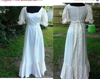 reserved for chickendus 45% Off Puffed Sleeved Cream 70s Prom Dress with Buttery Yellow Flowers Size Estimate 6 Vintage Prom Dress