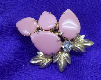 Vintage pink cabochon brooch,pink cabochon brooch,gold leaves,clear crystal,pink tear shaped cabochons,women,graduation,theater,costume,