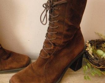 bottes en daim marron Vintage cuir grand-mère High top... taille 6 lacets talons bois empilés Nine West ~ hipster