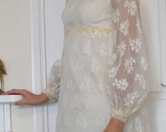 Bella 1960s Vintage Bridal Dress