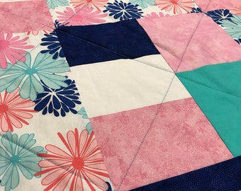 "Patchwork ""Dreams of Daisies"" Quilt"
