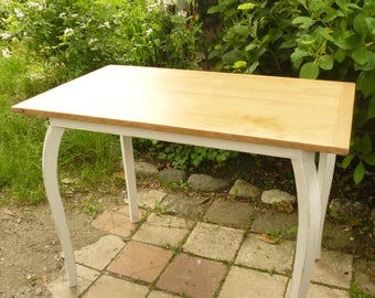 Small table underfoot off-white weathered and natural oak tray