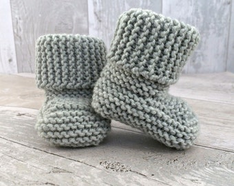 Light Grey Baby Booties, Stay On Booties, Knitted Booties, Gray Crib Shoes, Gender Neutral Crib Shoes, Newborn Shoes, New Baby Gift