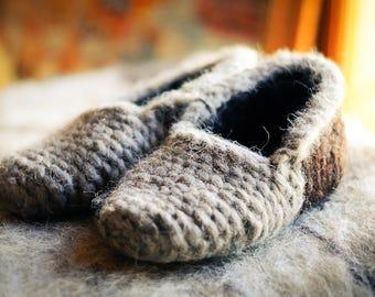 Slippers. Wool slippers. Felted slippers. Felt slippers. Knitted slippers. Leg warmers. Mom gift. Gift for her. Slippers women.