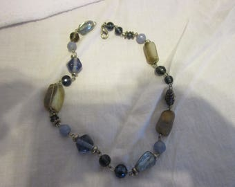 Retro Polished Stone & Glass Choker Necklace