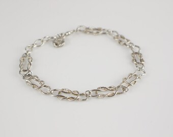 Silver Tone Flat Squashed Circle Shape Link Bracelet with Small 925 Clasp