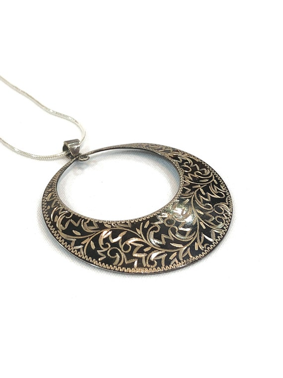 Sterling Silver & Niello Pendant Necklace, Engraved Chased Foliate Vine Motif, 950 Silver, Omega Chain, Vintage 950 Silver Jewelry