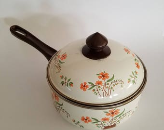 Vintage  Countryside Collection by JMP Enamel Pot With Lid