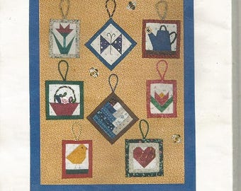 """The Violet Patch """"Quick As Can Bee""""  Small Quilt Blocks Pattern  (Great for Potholders and More)"""