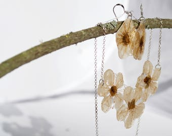 Blossom flowers necklace and earring set
