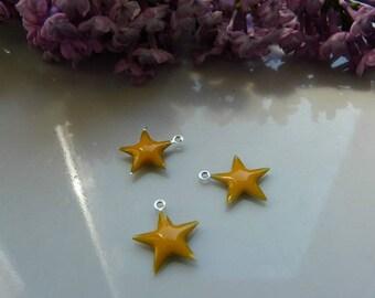 Star 15mm yellow enamel pendant charm