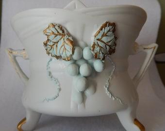 Handpainted Leton Decorative bowl with green grape design