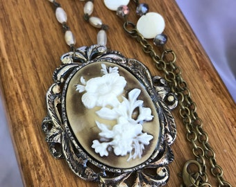Vintage brown and ivory floral embossed cameo brooch necklace