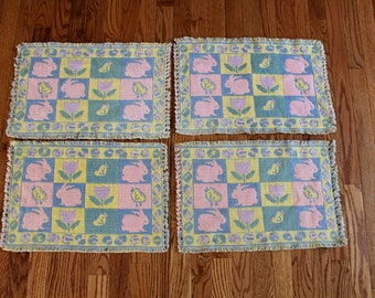 Vintage Pastel Knit Placemats. Decorative Easter Placemats. Woven Fabric Placemats. Easter Bunny Placemants. Easter Decor. Easter Dinner.