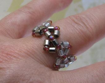 ZIGZAG beadwoven ring, silver colors, wear-in-the-pool jewelry, miyuki delica beads, silver and red beads